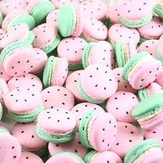 Sou apaixonada por macarons.. amo assim, imitando melancia, em candy colors ficaram mais fofos ainda  . . #decorefesta #blogdecorefesta #festa #festainfantil #deco #decor #decoração #decoration #decoraçãoinfantil #design #ideias #inspiração #inspiration #party #partykids #instagood #instamood #instadaily #macarons #candycolors •Pic via Pinterest - credit ?•
