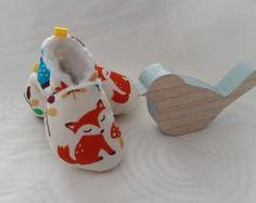 Chaussons bébé fourré motif renard et animaux de la forêt - Un grand marché Motifs Animal, Baby Shoes, Kids, Fox Pattern, Bebe, Products, Young Children, Boys, Baby Boy Shoes