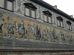 Blick auf den Fürstenzug in Dresden, Deutschland