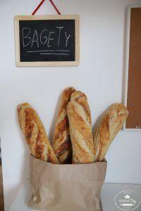 Chrumkavá bageta z kvásku - Chuť od Naty chrumkavá kvásková bageta Bon Appetit, French Toast, Bread, Cooking, Breakfast, Recipes, Food, Basket, Kitchen