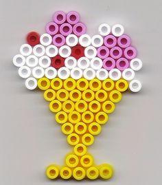 ijscoupe (op een zeshoek) Hama Beads Design, Diy Perler Beads, Perler Bead Art, Pearler Beads, Fuse Bead Patterns, Perler Patterns, Beading Patterns, Pixel Beads, Fuse Beads