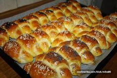 Recepty - Strana 2 z 44 - Vychytávkov Czech Recipes, Ethnic Recipes, Bread Rolls, Cake Cookies, Hot Dog Buns, Finger Foods, Amazing Cakes, Croissant, Bakery