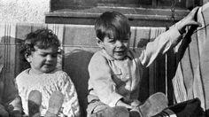 Che Guevara and Fidel Castro Photographs Manu Chao, Fidel Castro, Che Quevara, Che Guevara Images, Ernesto Che Guevara, Jim Morrison, Guerrilla, Popular Culture, Childhood Memories