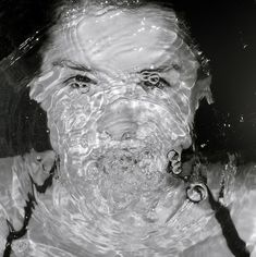 Ripples distorting facial features, interesting lighting for a portrait photo. Distortion Photography, Distortion Art, Underwater Photography, Abstract Photography, Portrait Photography, Image Photography, White Photography, Abstract Portrait, Portrait Art