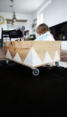 Pimp the Box, Tags DIY + Weinkiste + Zacken + Spielzeugaufbewahrung