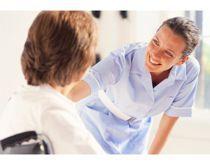 Aide-soignante, vous contribuerez au bien-être des malades et à leur faire recouvrer, dans la mesure du possible, toute leur autonomie. Vous travaillerez en collaboration et sous la responsabilité d'une infirmière, le plus souvent au sein d'une équipe pluri- professionnelle et serez donc associée aux soins infirmiers préventifs, curatifs et palliatifs.