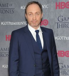 Michael McElhatton (Roose Bolton) at Game of Thrones season 4 red carpet premiere Michael Mcelhatton, Got Premiere, Comedy Series, Best Actor, Season 4, Game Of Thrones, It Cast, Nyc, Books