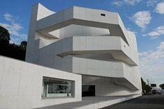 http://archtendencias.com.br/arquitetura/museu-fundacao-ibere-camargo-alvaro-siza#.VQtQiSuG8nE