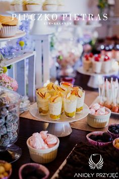 12. Electrical wedding,Sweet table decor,Sweets/ Elektryczne wesele,Dekoracje słodkiego stołu,Owoce na słodkim stole,Anioły Przyjęć