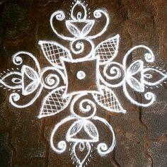 Rangoli Side Designs, Simple Rangoli Border Designs, Best Rangoli Design, Simple Embroidery Designs, Free Hand Rangoli Design, Small Rangoli Design, Rangoli Designs With Dots, Rangoli With Dots, Beautiful Rangoli Designs