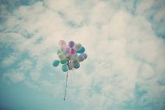 Image from http://cdn.pcwallart.com/images/balloons-photography-tumblr-wallpaper-1.jpg.