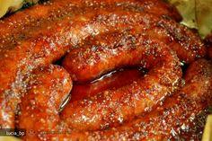 * Puteti ajusta cantitatile ingredientelor folosite la glazura pentru a fi pe gustul vostru. Trebuie doar sa gustati glazura dupa omogenizare si sa o ajustati dupa preferinte.   Pentru acesta reteta, tapetati o tava cu ... Nigella Lawson, Sausage, Bacon, Foods, Meat, Cooking, Breakfast, Recipes, Recipe