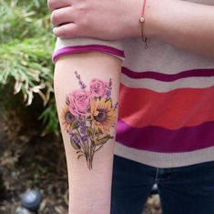 Literally Every Summer Tattoo You Never Knew You Needed - TattooBlend Sunflower Tattoos, Sunflower Tattoo Design, Watercolor Sunflower Tattoo, Watercolor Flower Tattoos, Colorful Sunflower Tattoo, Beautiful Flower Tattoos, Pretty Tattoos, Floral Tattoo Design, Flower Tattoo Designs