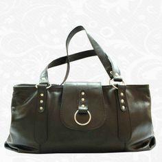 Kožená kabelka z pravej hovädzej kože, talianska koža - luxus, ktorý si môžete dovoliť i Vy! Talianská elegancia, kvalita a štýl – to sú naše kožené kabelky. Krásny a praktický doplnok pre každú ženu, ktorý by nemal chýbať ani Vám. Len u nás nájdete moderné a elegantné dámske kabelky.  www.vegalm.sk - 8348 Bags, Fashion, Elegant, Luxury, Handbags, Moda, Fashion Styles, Fashion Illustrations, Bag