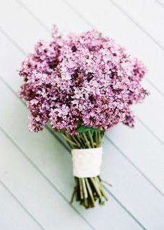 Simple and perfect. Boho wedding bouquet #wedding #bouquet #bohemian