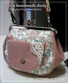 新しいがま口第2弾 ホビーラホビーレ限定リバティ ベッツィ | ■ 庵のてづくりブログ ■ Frame Purse, Clutch Bag, Diy And Crafts, Coin Purse, Handbags, Wallet, Purses, Sewing, How To Make