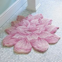 Improvements Cecily Floral Rug - Ivory (260 SAR) ❤ liked on Polyvore featuring home, rugs, accent flooring, pale rug, light rug, ivory, floral rug, cecily floral rug, bedroom accessories and bath rug