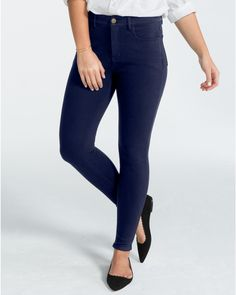 The Spanx Difference Our skinniest style, the Super Skinny Legging is a curve-hugging silhouette made with a super-soft, stretch knit that delivers the comfort of a legging and the look of a jean. Concealed shaping technology at the stomach and a high-waist design mean they bring flattery to the next level.