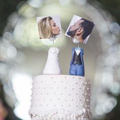 """165 Likes, 4 Comments - casamentos.com.br (@casamentoscombr) on Instagram: """"Adoramos essa ideia para topo de bolo! 👰🍰 Foto de @brittonews #casamentoscombr #casamentos…"""""""