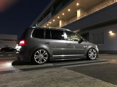 VW Touran Volkswagen Touran, Mini Bus, Cars And Motorcycles, Cool Cars, Camper, Transportation, Vans, Vehicles, Wheels