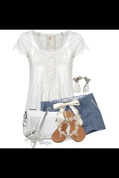 Super cute casual outfit, love the shorts.
