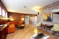 Classy 1958 mid-century modern time capsule ranch house in Houston — 18 photos
