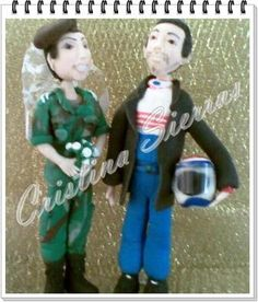 #Wedding Cake topper.  This is an example of a custom made Wedding Cake topper  Created by Cristina Sierras, Militar #Bride and Pilote Groom. I can customize the dress and ... #wedding #bride #groom #marroriage