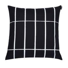 Marimekko Taie d'oreiller tiiliskivi noir et blanc Large Throw Pillows, Large Throws, Cushions On Sofa, Decorative Pillows, Marimekko, Living Room Decor Pillows, Living Rooms, Colourful Cushions, Textiles