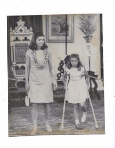 EVGENIA GL JACKIE My family continues to list a wide variety of Press Photos and other types of ephemera. We have easily photos remaining to be listed. Caroline Kennedy, Jacqueline Kennedy Onassis, Jackie Kennedy, Sweet Caroline, Edwin Schlossberg, Familia Kennedy, John Fitzgerald, Press Photo, Daughter