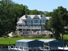 Waterfront Homes. #Waterfront #Homes #Design