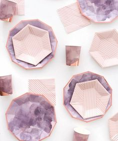 Amethyst Plates (Small) - Home Warei Deas Ramadan Decoration, Decoration Table, House Decorations, Home Decor Accessories, Decorative Accessories, Interior Design Kitchen, Interior Office, Interior Ideas, Vintage Decor