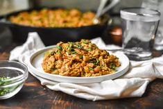Roasted Red Pepper+Chicken Orzo Pasta Skillet | Gringalicious