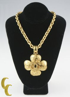 Gorgeous Vintage Chanel Clover Chunky Gold Plated Necklace Pendant 89.0 grams #Chanel #Pendant