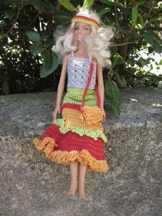 Contemporary looks for fashion dolls