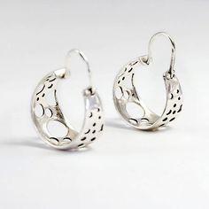 verzilverd hoepels oorbellen - bubbels  van Toolis sieraden - moderne gouden en zilveren sieraden ontwerpen voor mannen en vrouwen op DaWanda.com