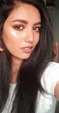 BRONZE GODDESS GLOWY  makeup