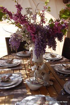 Pâques <3 Table Settings, Tables, Mesas, Table, Table Arrangements, Desk Layout