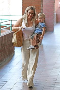 Hilary Duff: I absolutely LOVE Her style :-) She is one of my FAV's