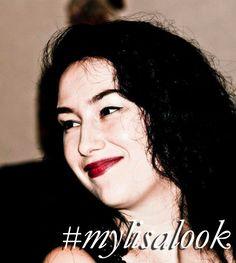 Lisa Eldridge, Lipstick Tutorial, Glowy Makeup, Dark Lipstick, Look Plus, Lipsticks, Makeup Looks, Instagram, Lipstick