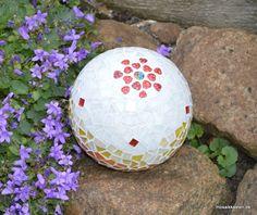Rosenkugel weiß rot gelb orange 16 cm - Mosaikkasten Gartendeko aus Mosaik