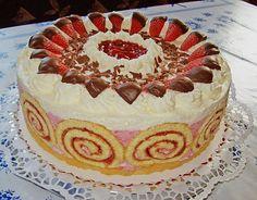 Erdbeer – Schmand – Torte Strawberry – Schmand – Torte (recipe with picture) by jienniasy Apple Pie Recipes, Baking Recipes, Cookie Recipes, Torte Au Chocolat, No Bake Desserts, Dessert Recipes, Easter Desserts, Torte Recipe, Sour Cream Cake
