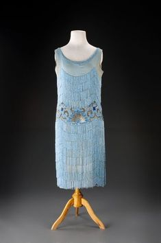 Model and Custom House Hanna Podolská, evening dress, circa 1927 silk georgette, embroidered with beads and sequins 20s Fashion, Art Deco Fashion, Fashion History, Retro Fashion, Vintage Fashion, Fashion Design, Historical Costume, Historical Clothing, 1920s Outfits