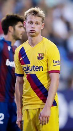 Soccer Guys, Football Soccer, Football Players, Ronaldo Juventus, Neymar, Sports Jersey Design, Barcelona Team, Toni Kroos, One Team