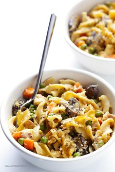 Lighter Tuna Casserole -- tastes just like the classic dish, but lightened up with fresh ingredients | gimmesomeoven.com