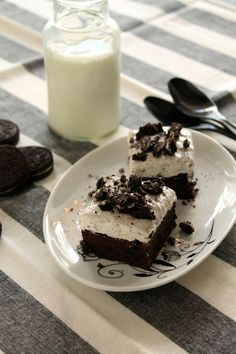 Cookies and cream brownies Cookies And Cream, Sweet Recipes, Brownies, Panna Cotta, Greek, Pudding, Chocolate, Coffee, Ethnic Recipes