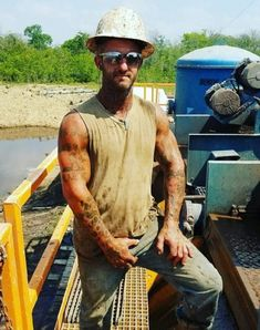 Hard Working Man, Working Men, Hard Workers, Bear Men, Country Men, Chuck Norris, Pretty Boys, Hard Hats, Hot Guys