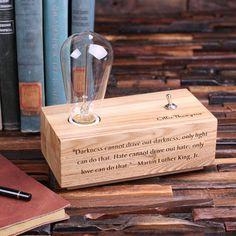 Edison Lamp Engraved Personalized Custom Handmade Wood Desk Lamp With Vintage Bulb Toggle Switch - 1680 punten Wood Desk Lamp, Wooden Lamp, Lamp Table, Oak Desk, Table Desk, Diy Luz, Lampe Edison, Luminaria Diy, Handmade Lamps