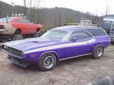 """Well clearly they never actually made this into a part of the production for the Dodge Challenger, but this 1971 Dodge Challenger """" Wagon """" is kind of interesting! Mopar on!"""