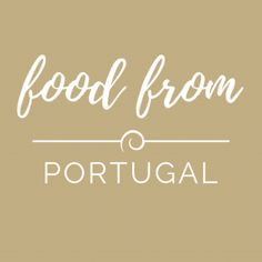 Frango guisado com arroz Guisado, Portugal, Rye Bread, Portuguese Recipes, Chocolate Powder, Rice Recipes, The Help, Stuffed Peppers, Mop Sauce