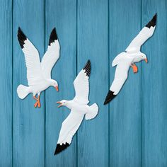 Enhance your beach décor in bold style with the Whitehall Seagull Trio Wall Decor . This trio of black and white birds adds a sense of style and. Family Wall Decor, Tree Wall Decor, Wall Decor Set, Wall Art Sets, Paper Room Decor, Black And White Birds, Outdoor Wall Art, Indoor Outdoor, Outdoor Decor